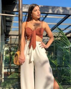 Uploaded by Find images and videos about girl, fashion and beautiful on We Heart It - the app to get lost in what you love. Stylish Outfits, Cute Outfits, Girl Fashion, Fashion Outfits, Look Fashion, Elegantes Outfit, Tumblr Outfits, Outfit Goals, Summer Looks