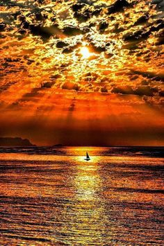 Beautiful sunset photos, sunrise photography, nature pictures AND inspirational quotes! Amazing Sunsets, Amazing Nature, Amazing Grace, Beautiful World, Beautiful Images, Beautiful Beautiful, Absolutely Gorgeous, Stunning View, Beautiful Things