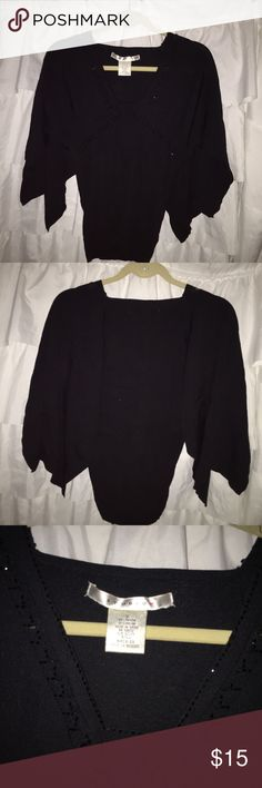 studio M sparkle sweater with open arms. Perfect❗️ Black with black jewel like sequins embellishing this piece. Great condition‼️ Studio M Sweaters