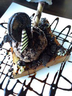 Honey Toast Cafe - Beaverton, OR, United States. Petite chocolate symphony