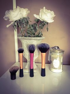 . Best Makeup Brushes, It Cosmetics Brushes, Best Makeup Products, Youtube Sensation, Real Techniques, Make Up, Makeup, Beauty Makeup, Bronzer Makeup