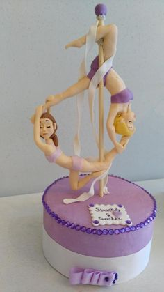 Burlesque cake topper Pinup Cabaret Vintage Girl pole Dancer edible figure hen