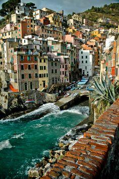 """Happy houses""  Riomaggiore, Cinque Terre, Italy  by Joris H. Janssen, via 500px."