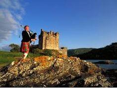 夏のスコットランドを大満喫!個人で行くには交通が不便なネス湖を含むハイランド地方を、英国公認ライセンス所持の日本人ガイドが効率よくご案内!夏の涼やかなスコットランドの大自然を体感しに行きましょう。