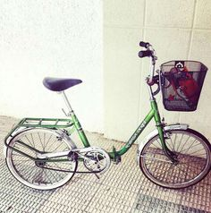 . Se vende bicicleta Derbi con cesta de gran capacidad para que no falte nada en…