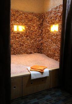 Salt Cave Spa, Salt Room Therapy, Himalayan Salt Cave, Home Spa Room, Massage Room, Spa Massage, Spa Treatment Room, Salt Rock Lamp, Zen Room