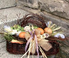 Eastern Holiday, Dried Flowers, Flower Decorations, Grapevine Wreath, Diy And Crafts, Basket, Wreaths, Spring, Floral