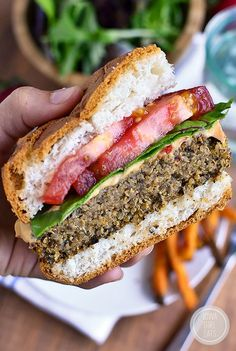 Quinoa burgers are vegetarian and gluten-free, yet packed with protein and totally delicious. Freezer-friendly, too! | iowagirleats.com