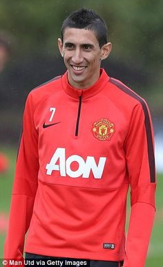 Record signing Angel Di Maria makes his United debut today away to Burnley (kick-off BST). Manchester United 2014, Manchester United Football, Sir Alex Ferguson, Transfer Window, Burnley, Man United, All Smiles, Football Team, Soccer