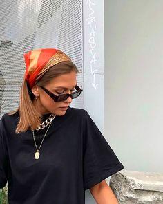 f a s h i o n Haar Sjaaltje met Print Mode Haar met Mode inspo Print Sjaaltje Look Fashion, 90s Fashion, Fashion Outfits, Fashion Women, Fashion Ideas, Fashion Clothes, Fashion 2020, Fashion Tips, Girl Fashion