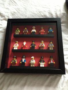 Lego men frame