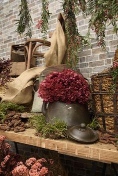 Rustic wedding decor Rustic Weddings, Planter Pots, Wedding Decorations, Bouquet, Pictures, Design, Photos, Bunch Of Flowers, Photo Illustration