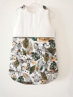 Discover recipes, home ideas, style inspiration and other ideas to try. Easy Girls Dress, Girls Dresses Sewing, Sewing Patterns Girls, Dresses Kids Girl, Sewing Ideas, Girl Fashion Style, Kids Fashion, Baby Couture, Kids Girls