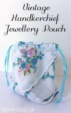 vintage handkerchief jewellery pouch tutorial Source by idea diy Easy Sewing Projects, Sewing Projects For Beginners, Sewing Hacks, Sewing Tutorials, Sewing Crafts, Sewing Tips, Tutorial Sewing, Diy Projects, Sewing Ideas