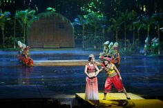 The awe-inspiring entertainment experience at Romance Park in Sanya is marked by impressive stage design, stunning choreography and first-class acting brought together by a stellar cast of dancers and actors. #sanya #whererefreshingbegins #muscial #dance #performance #incredible #onstage #stagedesign #beautiful