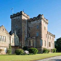 Celtic Castles - Stay in a Castle in the UK or Ireland! Castles to Stay, Castle Breaks and Castle Holidays in the Scotland, Ireland, England, Wales and France