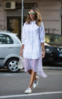 15 Street Style Looks That Will Urge You to Wear a Shirtdress - Star Style PH Star Fashion, Girl Fashion, Fashion Outfits, Cool Street Fashion, Milan Fashion, Street Style Looks, Modest Fashion, Spring, Shirt Dress