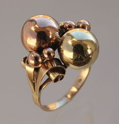 MODERNIST Sculptural Ring.  c1965. Two Colour Gold with indistinct maker's mark. Austrian - In the manner of Pol Bury (Tadema Gallery)