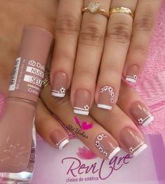 Un diseño delicado y muy femenino! #Uñas #Nail #DiseñoDeUñas