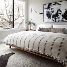 Full Size Blanket, Turkish Blanket, Modern Bedroom Design, Monochrome Bedroom, Bedroom Designs, Cotton Blankets, Thick Blankets, Queen Size Bedding, Bed Spreads