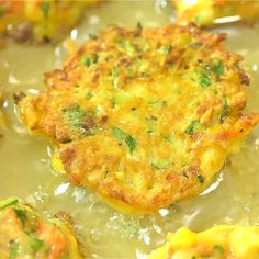 Vegetable Fritters make a perfect vegetarian lunch or snack. Filled with zucchini, carrots, and corn, they are very filling and delicious. Veggie Dishes, Vegetable Recipes, Vegetarian Recipes, Cooking Recipes, Healthy Recipes, Easy Vegetarian Lunch, Veggie Fritters, Zucchini Fritters, Lunch Snacks