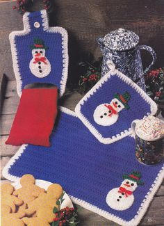 Crochet Pattern ~ SNOWMAN PLACE MAT, POTHOLDER, TOWEL HOLDER ~ Christmas
