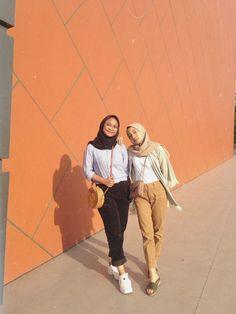 Trendy Style Hijab Remaja Gendut 52 Ideas style 759067712178006997 hijab r… – Hijab Fashion 2020 Hijab Casual, Ootd Hijab, Girl Hijab, Hijab Chic, Modern Hijab Fashion, Street Hijab Fashion, Hijab Fashion Inspiration, Look Fashion, Korean Fashion