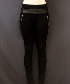 Un #hermoso #legging #negro para un día de antro.