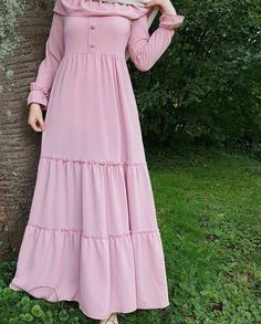 Fashion Tips Diy .Fashion Tips Diy Iranian Women Fashion, Islamic Fashion, Muslim Fashion, Korean Fashion, Abaya Fashion, Fashion Wear, Fashion Dresses, Fashion Top, Winter Fashion