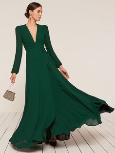 Where to find chic bridesmaid dresses that don't sacrifice style; 6 brands that nail bridesmaid dress style Trendy Dresses, Elegant Dresses, Beautiful Dresses, Nice Dresses, Fashion Dresses, Dresses With Sleeves, Formal Dresses, Club Dresses, Party Dresses