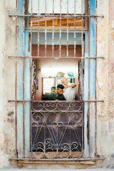 Barbeer Shop In Havana - www.simonedf.com