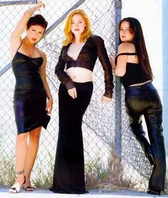 Alyssa Milano, Rose McGowan and Holly-Marie Combs Serie Charmed, Charmed Tv Show, Holly Marie Combs, Rose Mcgowan, Adelaide Kane, Alyssa Milano, Shannen Doherty, Beautiful Gorgeous, Gorgeous Women