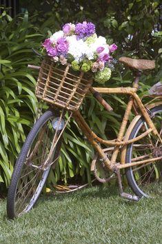 wedding bicycle flowers -