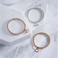 Βραχιόλι με Μενταγιόν Abelle. Avon, Hoop Earrings, Charmed, Bracelets, Jewelry, Fashion, Gift Cards, Hearts, Bangle Bracelets