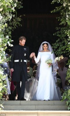 Meghan's look has been widely praised by other bridal designers and fashion experts