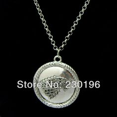 Freeshipping 20pc a lot the Game of Thrones black Stark Dire wolf pendant necklace  //Price: $US $18.90 & FREE Shipping //     #gameofthrones #gameofthronestour #gameofthronesfamily  #starks #got #agot #asoiaf