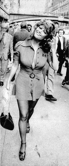 Claudia Cardinale. Street fashion.
