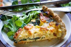 VEGAN QUICHE LORRAINE Here's how you can make the popular quiche Lorraine – vegan! This delicious vegan quiche Lorraine has the perfect '. Quiche Lorraine Recipe, Lorraine Recipes, Vegan Quiche, Classic French Dishes, Vegan Recipes, Vegan Meals, Vegan Food, Quiche Recipes, Breakfast Recipes