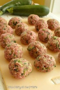 Zucchini, Parmesan and Herb Meatballs! Little Dairy on the Prairie // Ground beef : https://www.zayconfresh.com/campaign/30