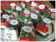 Christmas Soap, All Things Christmas, Coconut Oil Soap, Soap Cake, Homemade Soap Recipes, Glycerin Soap, Home Made Soap, Diy Projects To Try, Candle Making