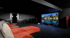 16 idées pour aménager et décorer votre home cinema You may have wondered how to build a home theater without spending a million dollars? Being a fan of cinema, I myself put the q 16 ideas for landscaping andVideoproject ideas of places origi Home Cinema Room, Home Theater Setup, Best Home Theater, Home Theater Speakers, Home Theater Rooms, Home Theater Seating, Home Theater Design, Installation Home Cinema, Sala Grande