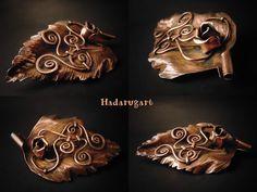 Artizani romani| Mestesugari romani | Brosa din cupru realizata integral manual Copper Artwork, Romani, Lion Sculpture, Statue, Sculpture, Sculptures