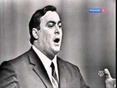 Pavarotti La Donna e Mobile Moscow 1964 - Luciano Pavarotti at a young age of twenty-nine. Incredible.