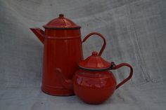 French+Red+Enamel+Tea+and+Coffee+Pots, £15.00 Tea Pots, Enamel, French, Canning, Coffee, Tableware, Red, Isomalt, Kaffee