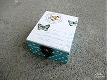 Krabička/šperkovnička dekorovaná dekupážou.