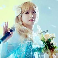 Wookie Oppa jadi Elsa 'Frozen' juga =)) cantik yh ^^ ~ Super Show 6 Indonesia *03 May 2015*