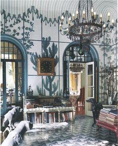 September 2004 issue of House Beautiful, the Milan apartment of architect and fabric designer Piero Castellini Baldissera