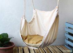 How to Make DIY Le Beanock Indoor Hammock ~ http://www.lookmyhomes.com/how-to-make-diy-le-beanock-indoor-hammock/