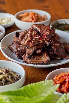 Korean marinated bbq beef short ribs  the marinade includes ripe Nashi/Asian pears, sweet apple, onion, soy sauce, sugar, malt syrup, toasted sesame oil and salt and pepper,  Looks good.