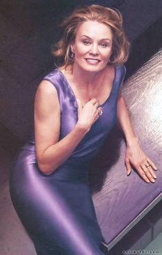 Jessica Lange, I hate this woman because of Rob Roy. Damn you for your greatness. Women Lifting, Ageless Beauty, Style And Grace, Aging Gracefully, Celebrity Gossip, American Actress, Pretty Woman, Role Models, At Least